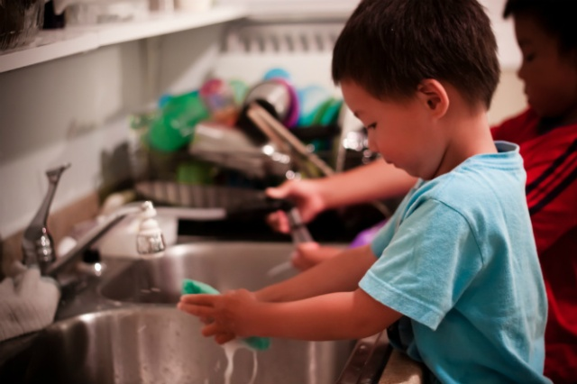 hands on responsibilities for toddlers, household chores benefit kids,