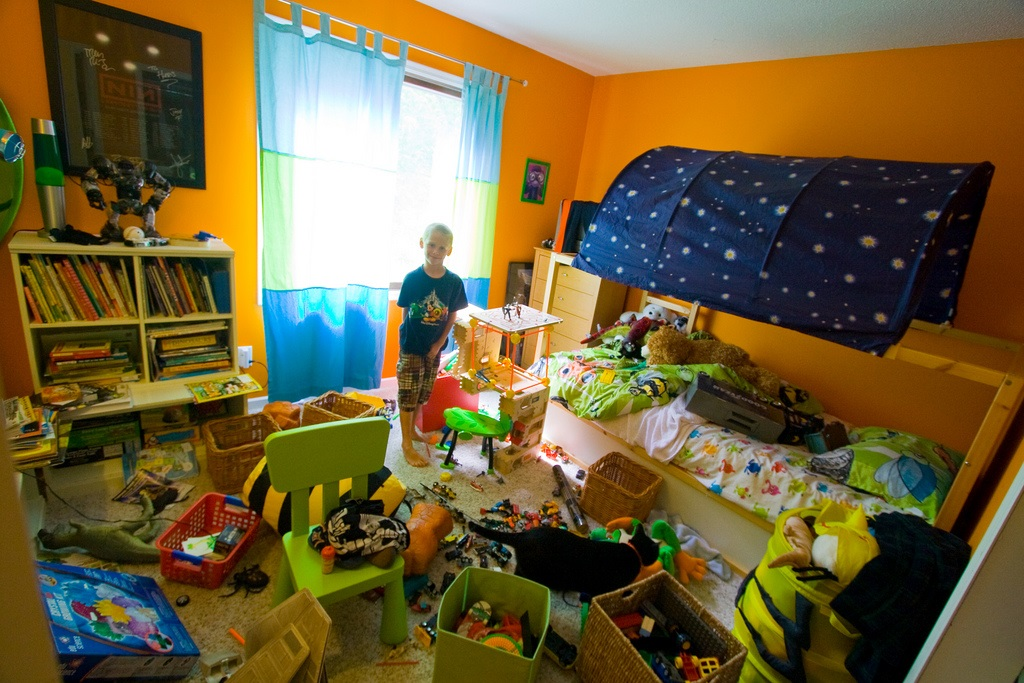toy overload, play without toys,